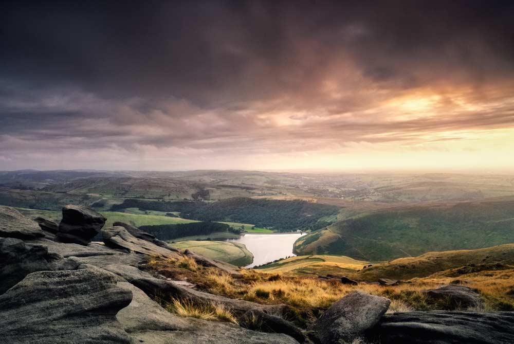kinder reservoir from pennine way on kinder scout, peak district national park, derbyshire,england,uk